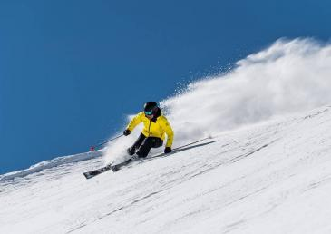 Sale of ski passes and ski storage