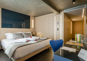 KING SIZE SUITE