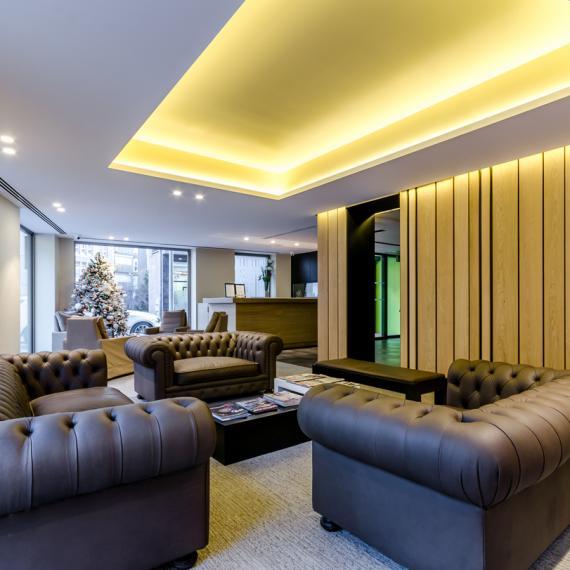 Hotel Metropolis Room